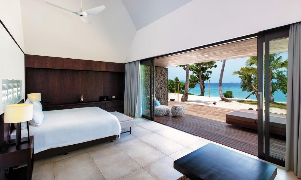 Vomo Palms Master Bed