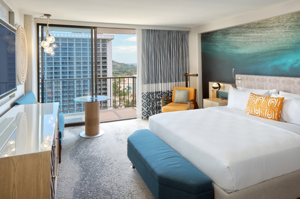 Waikiki Beachcomber by Outrigger oceanview king