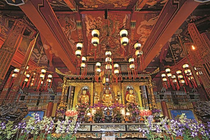 Po Lin Monastery, Lan Tau Island, Hong Kong.