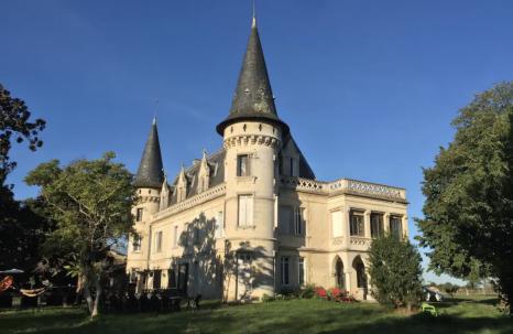 Chateau Bordeaux & Vignoble, France (Airbnb) [1]