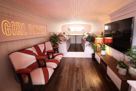 Spice Girls bus (Airbnb) [2]