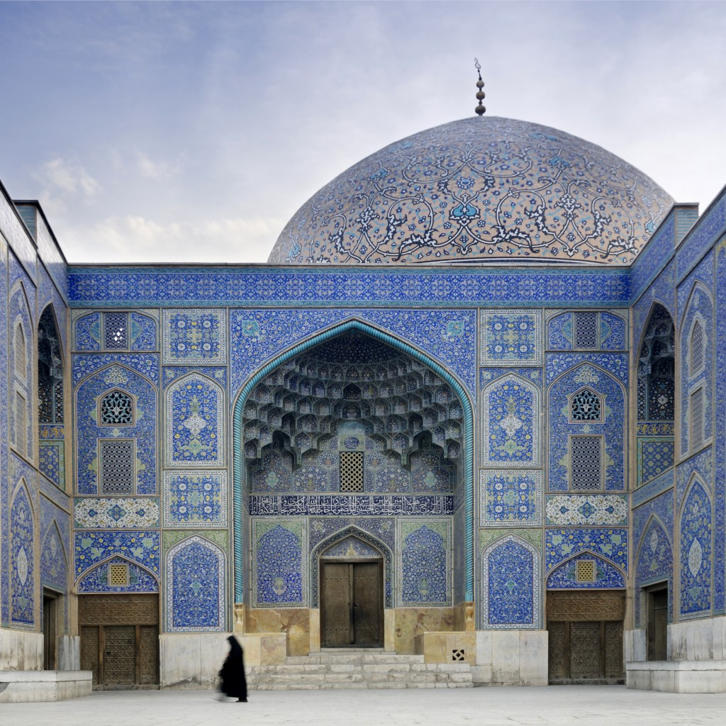 Clients taking part on Sundowner Overland's Silk Road Railway tour will visit Sheikh Lotfollah Mosque, a masterpiece of Iranian architecture.