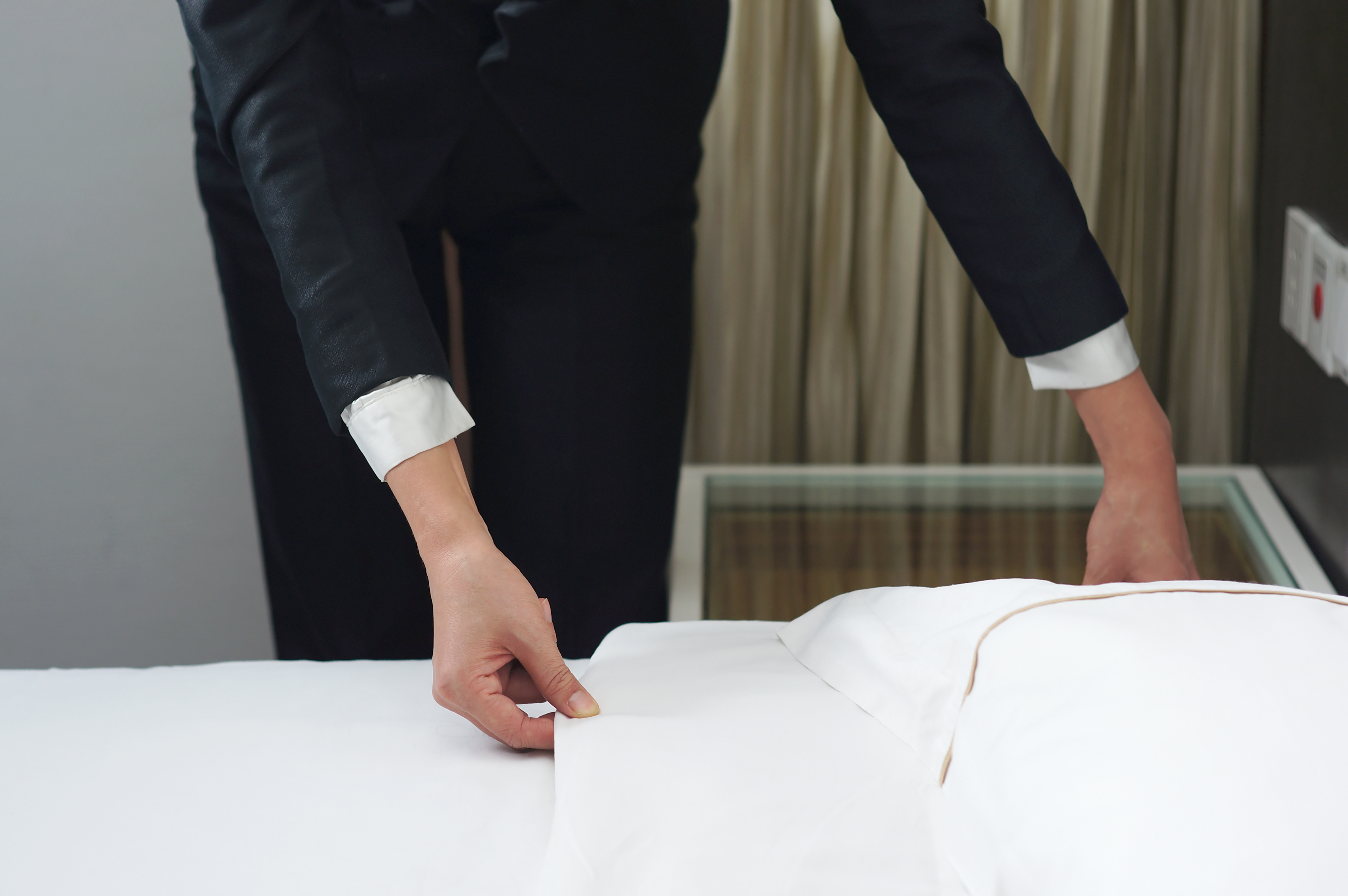 Microchips to tell travellers when hotel linens were last washed