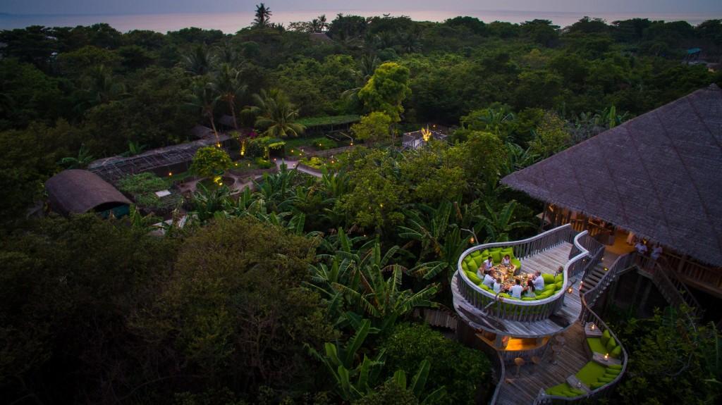 319_Soneva Fushi Resort Fresh in the Garden - Moonlight Table