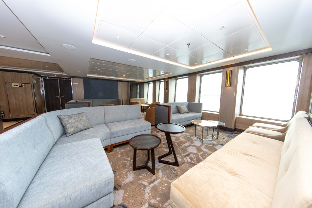 Quark Expeditions_World Explorer_Explorer Lounge