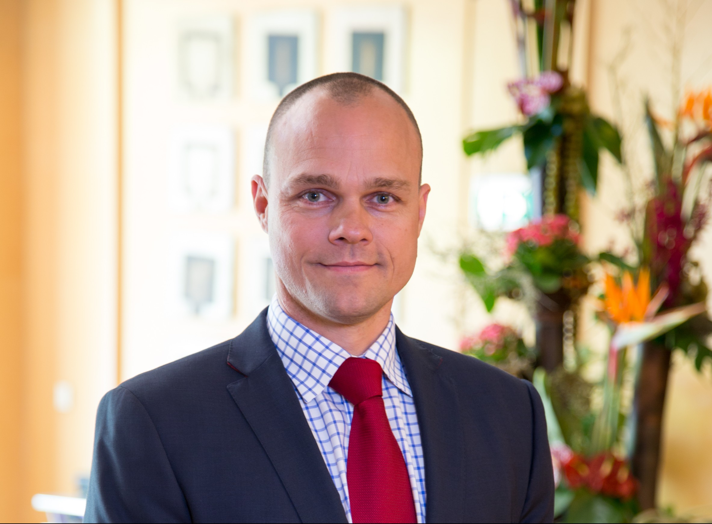 Arpad Romandy - General Manager