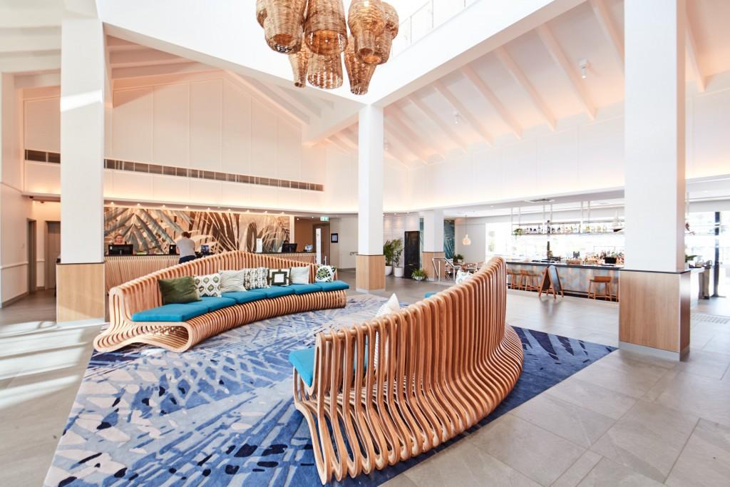 Image: Novotel Cairns Oasis Resort