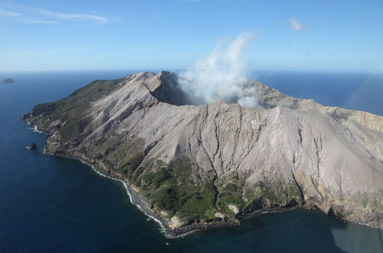 """No survivors"": Royal Caribbean passengers feared dead after New Zealand volcanic eruption"
